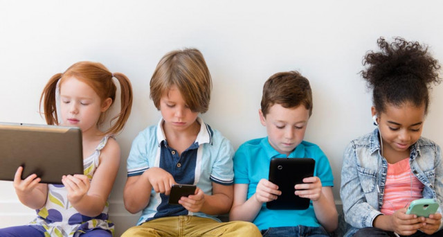 Smartphone guida all'uso per bimbi